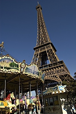 eiffel_tower_carousel